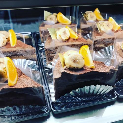 チョコレートとバナナのケーキイメージ1