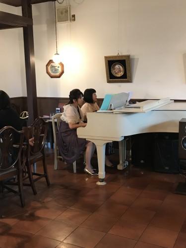 ピアノ演奏ですよイメージ1
