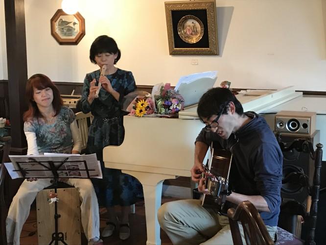 安田佳代子さん 演奏♩イメージ2