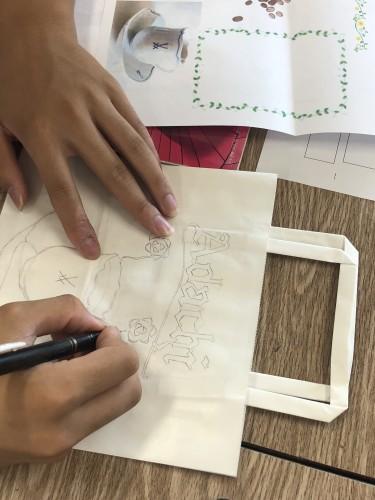 八西生徒デザイン紙袋イメージ3