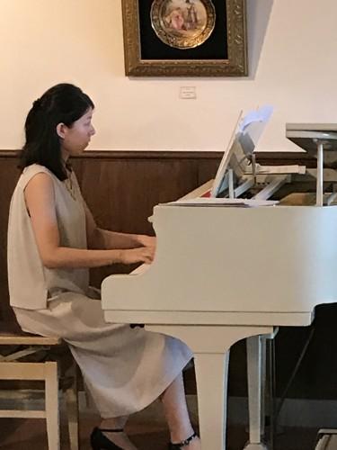 卯野さん ピアノ生演奏♪イメージ1