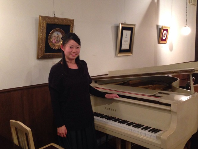 ピアノ生演奏最終日。イメージ1
