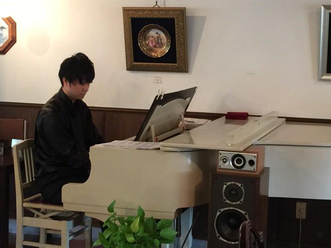 ピアノ生演奏イメージ3