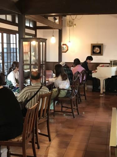 遠藤さんピアノ生演奏イメージ1