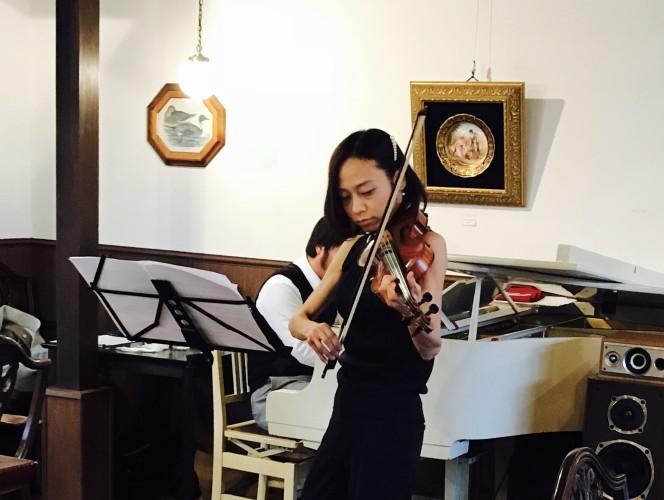 ピアノ & ヴァイオリン生演奏終演。イメージ1