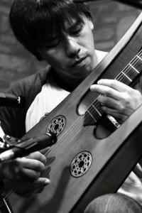 青木雅芳さん ギター生演奏イメージ1