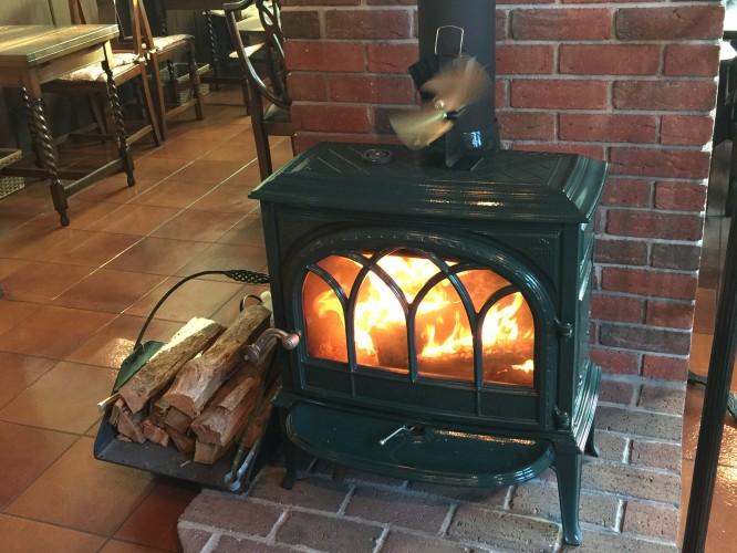 暖炉の火イメージ1