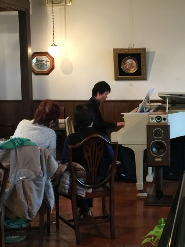遠藤拓弥さんピアノ生演奏イメージ1