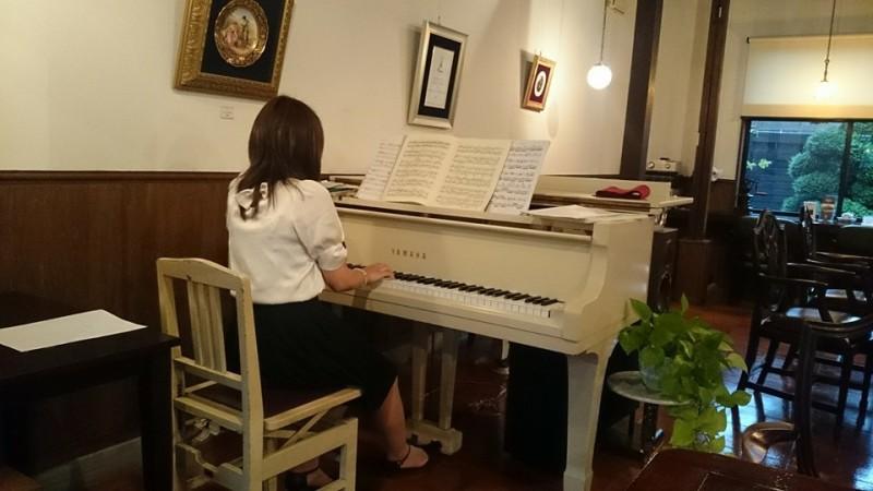 酒向紗弓さんピアノ生演奏イメージ2