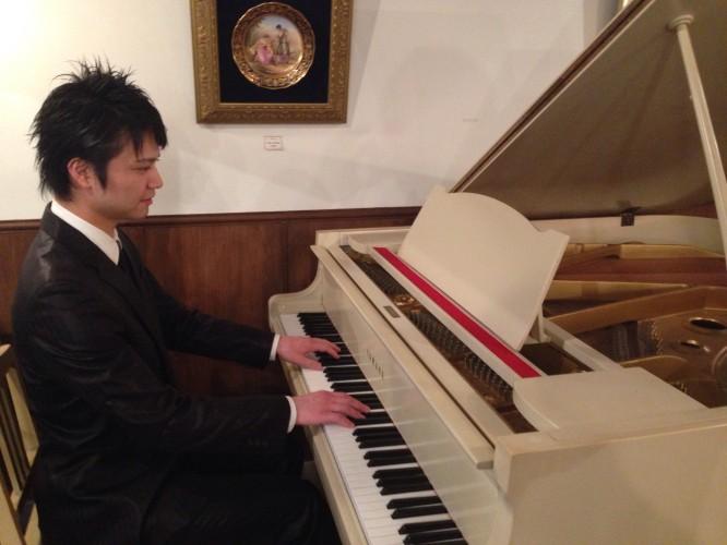ピアノ演奏が終わりました。イメージ1