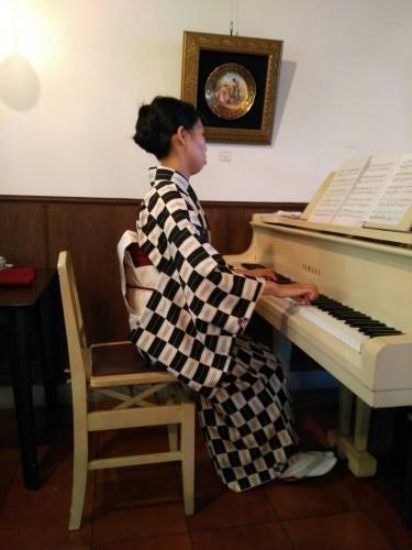 戸谷未貴さんピアノ生演奏イメージ1